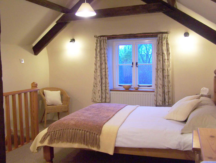 Accomodation - king bedroom ensuite